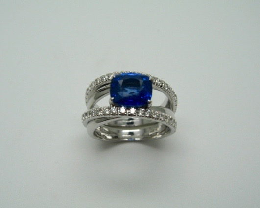 Blue Sapphire with Diamond Ring